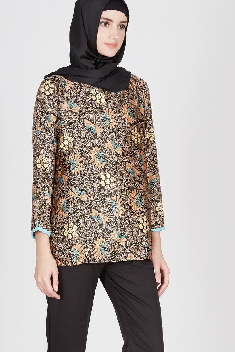 Baju Batik Kerja Wanita Muslim dengan Model Terkini