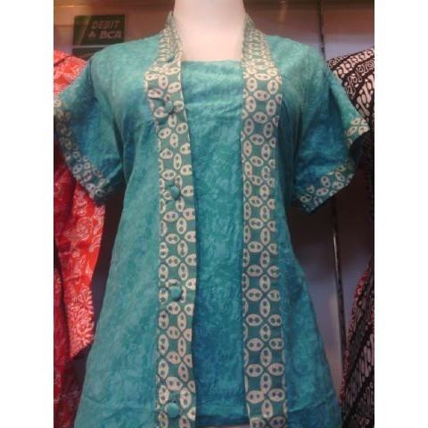 Atasan Baju Batik dengan Bahan Embos Modern