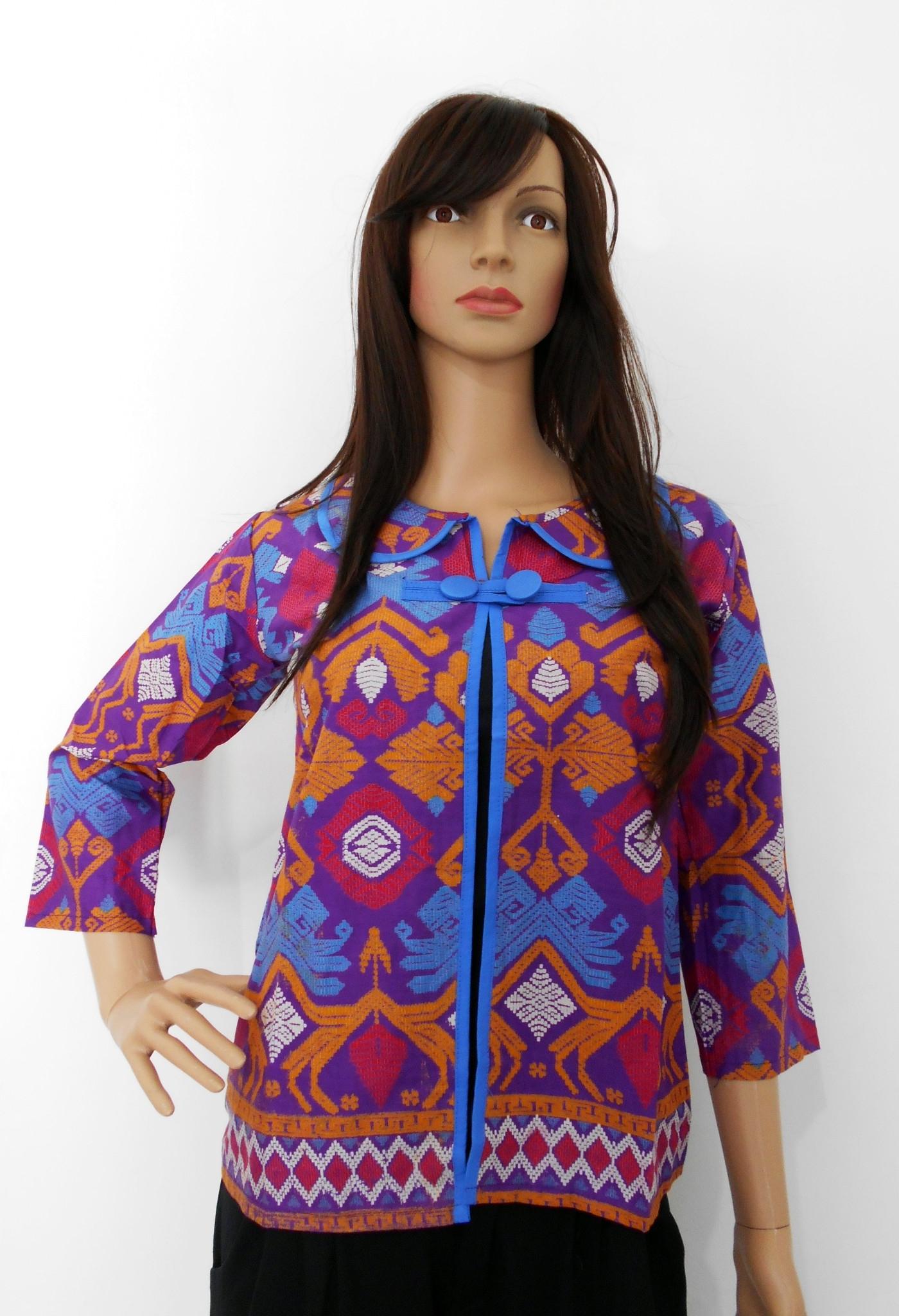 Baju Batik dengan Kombinasi Bolero Terbaru dan Modern
