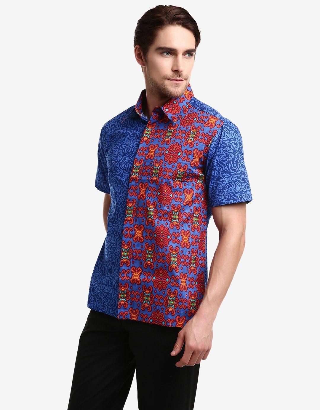 Baju Batik Pria Modern dengan Motif Terkini