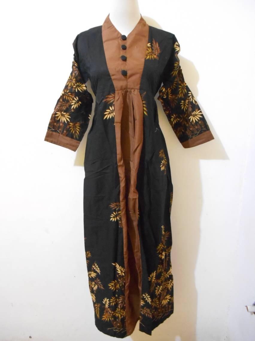 Gamis Batik dengan Lengan 3/4 untuk Kamu yang Berbadan Gemuk