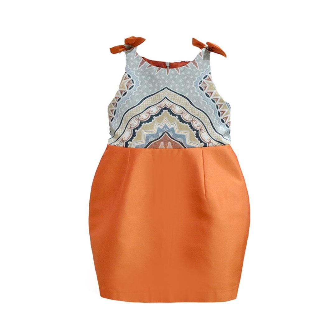 Gaun Batik untuk Anak Perempuan Paling Elegan