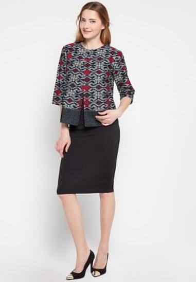 Ide Baju Batik Guru untuk Wanita Muda