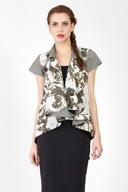 Model Baju Batik Atasan untuk Wanita Agar Tampil Seksi