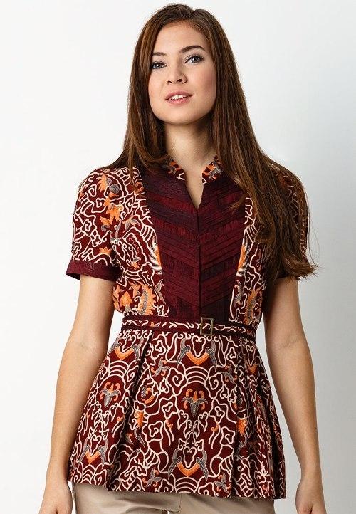Model Baju Batik Atasan untuk Wanita Bergaya Modern