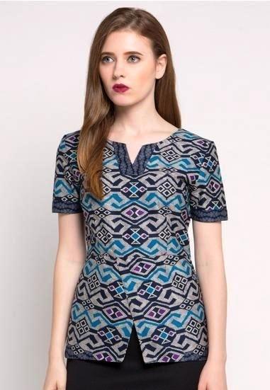 Model Baju Batik Atasan untuk Wanita Lengan Pendek