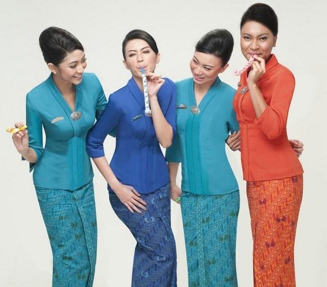 Model Baju Batik Pramugari Garuda Indonesia