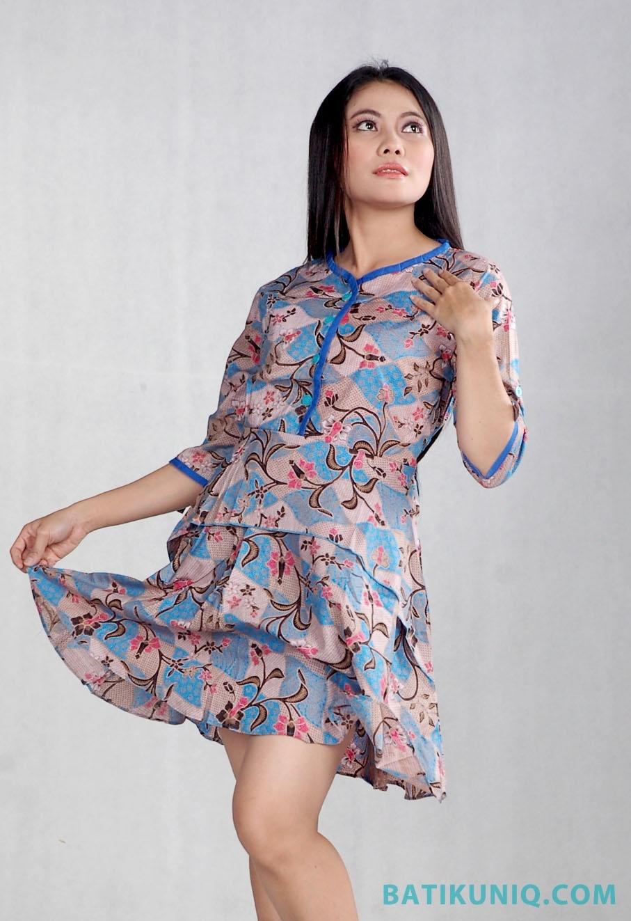 Tampil Anggun dengan Dress Batik Terbaru