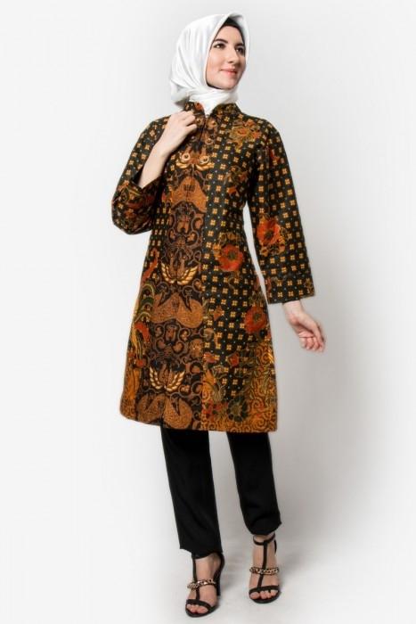 Tampil Elegan dengan Baju Batik untuk Guru Muslimah
