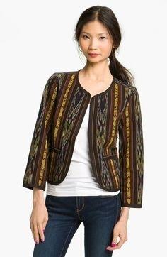 Inspirasi Batik Wanita dengan Model Blazer Gaya Tradisional