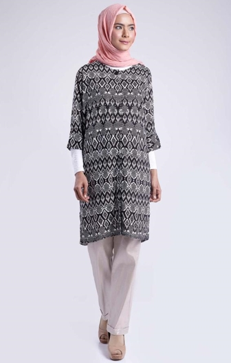 Model Baju Batik Atasan Wanita Lengan Panjang Desain Terbaru