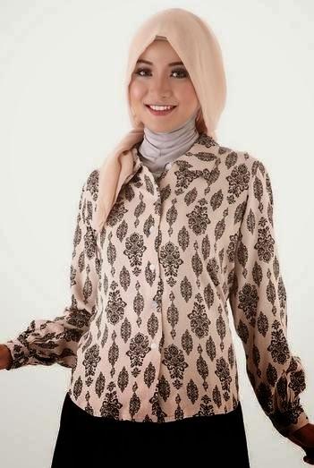 Model Baju Batik Atasan Wanita Lengan Panjang Paling Ngetren