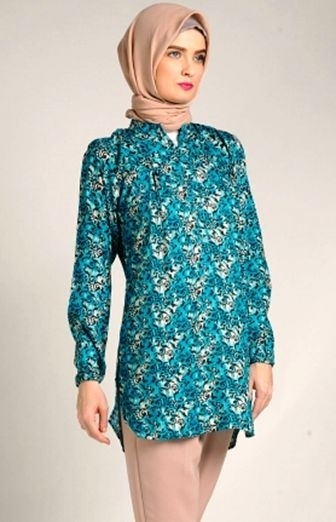 Model Baju Batik Atasan Wanita Lengan Panjang Terpopuler Tahun Ini