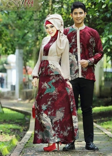 Model Baju Batik Couple untuk Pasangan Muslim Saat Kondangan