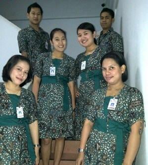 Model Baju Batik Kerja untuk Pegawai Bank Paling Modern