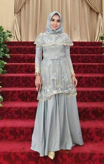 Model Kebaya Brokat untuk Wanita Muslim Saat Pernikahan