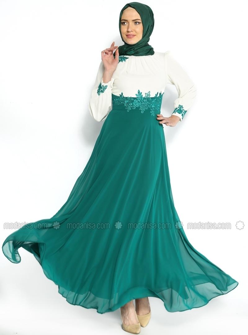 Baju Gamis Sifon dengan Motif Bunga dan Warna Netral
