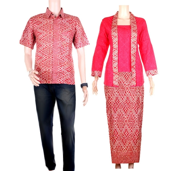 Baju Batik Couple dengan Motif Modern di Kombinasi Bahan Embos