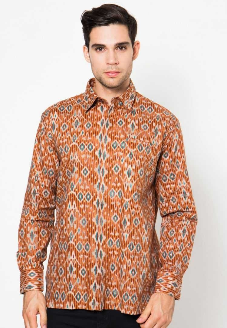 Baju Batik Panjang Pria untuk Seragam Kerja