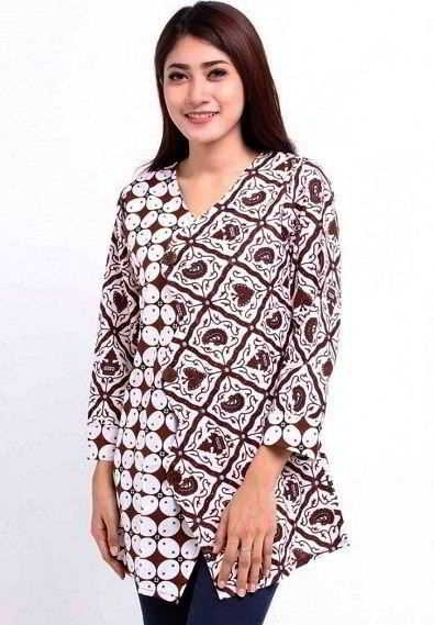 Model Baju Batik Atasan untuk Wanita Lengan Panjang