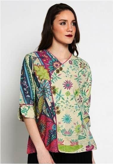 Model Baju Batik Atasan untuk Wanita Paling Kekinian