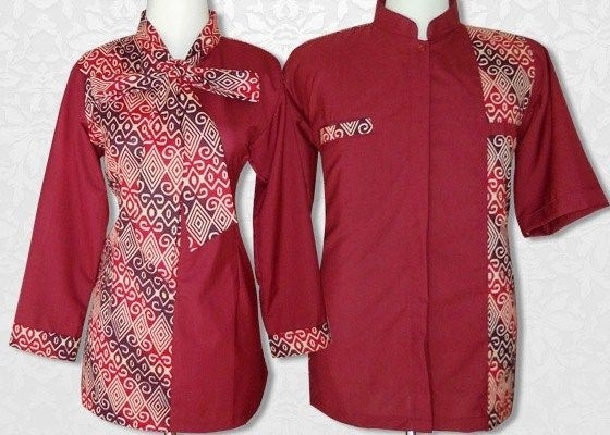 Model Baju Batik Couple dengan Motif Modern Kombinasi Embos