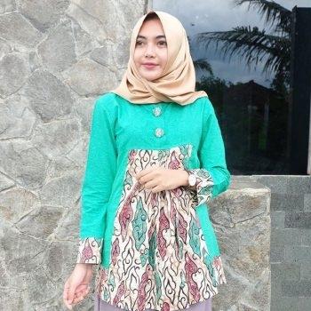 Model Baju Batik Kantor untuk Wanita Muslimah Terbaru