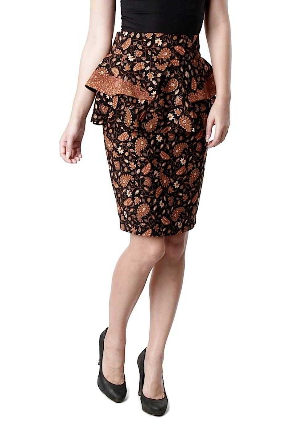 Model Baju Batik untuk Pesta Pernikahan dengan Gaya Rok Pendek