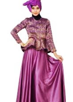 Tampil Elegan dengan Baju Batik Muslim Berkombinasi Satin