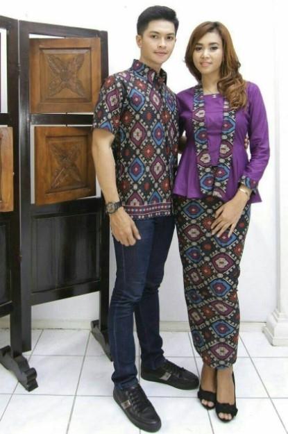 Model Baju Batik Couple untuk Pasangan Anak Muda