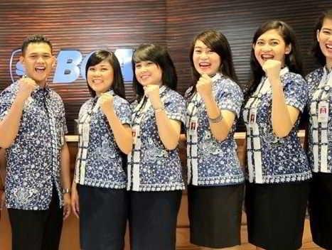 Model Baju Batik Kerja untuk Pegawai Bank Perempuan Terpopuler