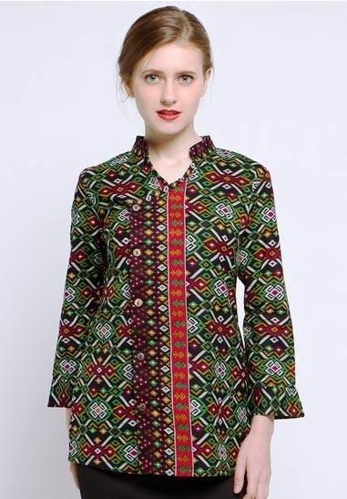 Model Baju Batik Pegawai Bank Wanita Termodis