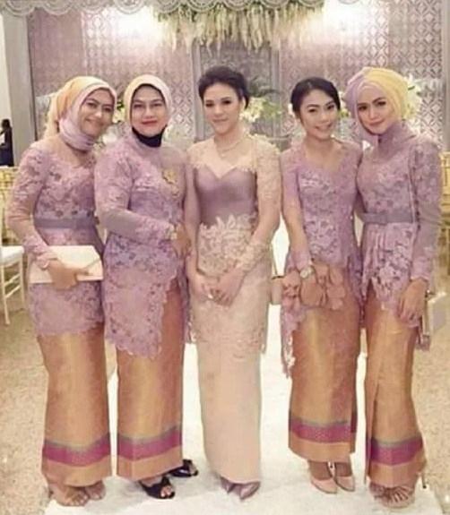 Model Kebaya Brokat Dengan Desain Modern untuk Wanita Muslim