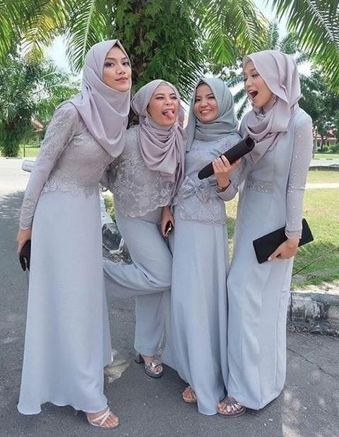 Model Kebaya Brokat untuk Wanita Muslim