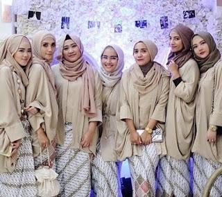 Model Kebaya Kutu Baru untuk Wanita Muslim Terbaru
