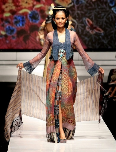 Model Kebaya Kutu Baru yang Cocok untuk Wanita Gemuk