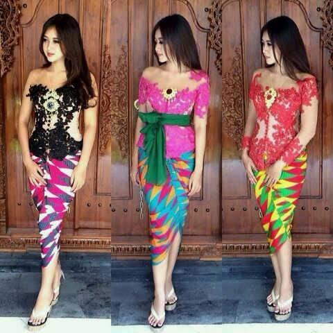 Model Kebaya Bali dengan Motif Rangrang
