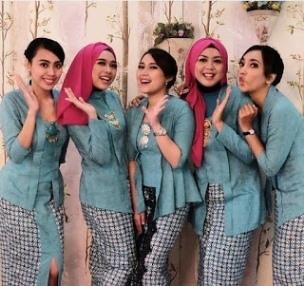 Model Kebaya Kartini untuk Wanita Muslim dalam Berbagai Acara